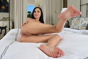 ariana-marie-top-pornstar-feet-inthecrack-1-thumb
