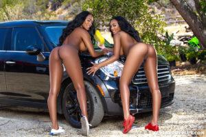 kelly-twins-wet-hot-american-girls-6