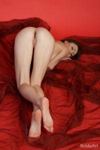 casia-rylsky-art-camel-toe-feet-2-5