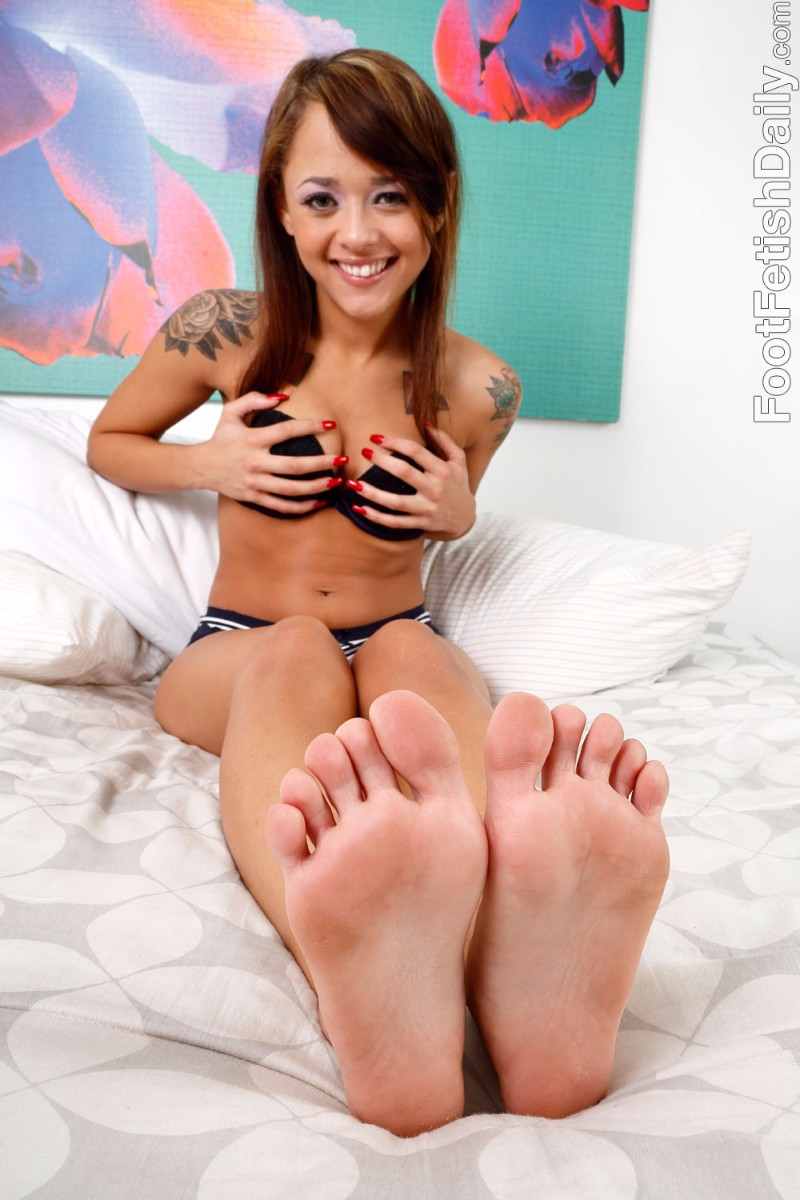 Foot fetish daily jenny hendrix