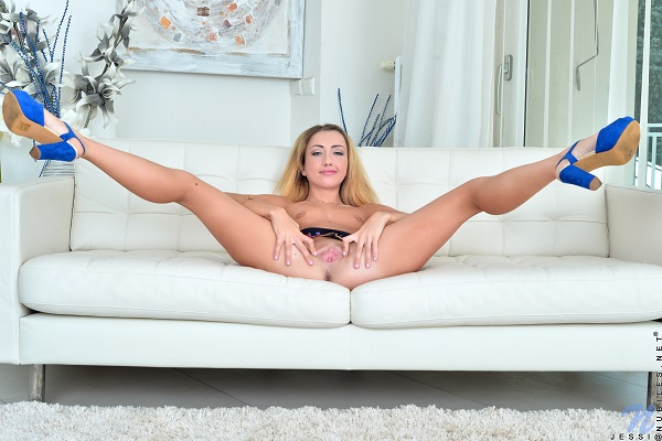Jessi Empera porn genious.