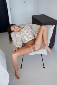 Sabrisse spreads her legs and showes her pussy.