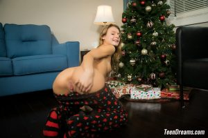 asuna-socks-christmas-teendreams-15